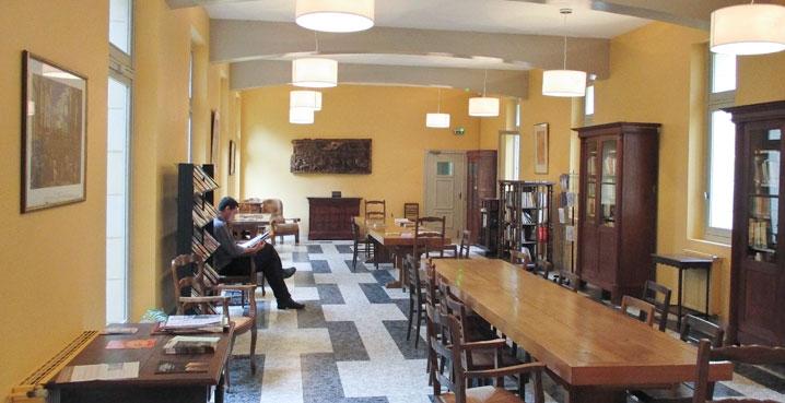 salle de lecture hotellerie